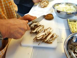 たっぷり白菜とタラのとろ〜りチーズ蒸し焼き-しいたけスライス